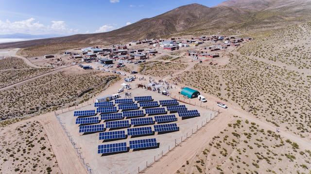 pueblo solar, paneles